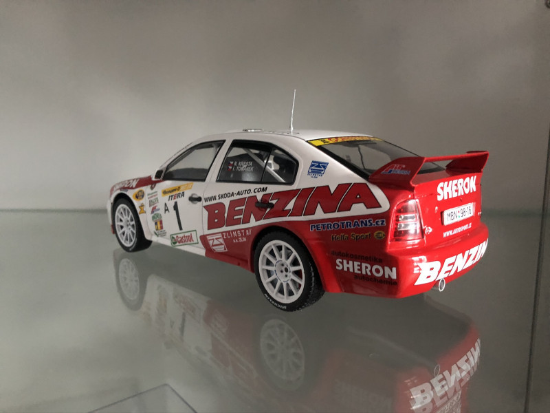 ŠKODA OCTAVIA WRC evo2 - KRESTA/TOMÁNEK - BARUM RALLY 2002 1:18